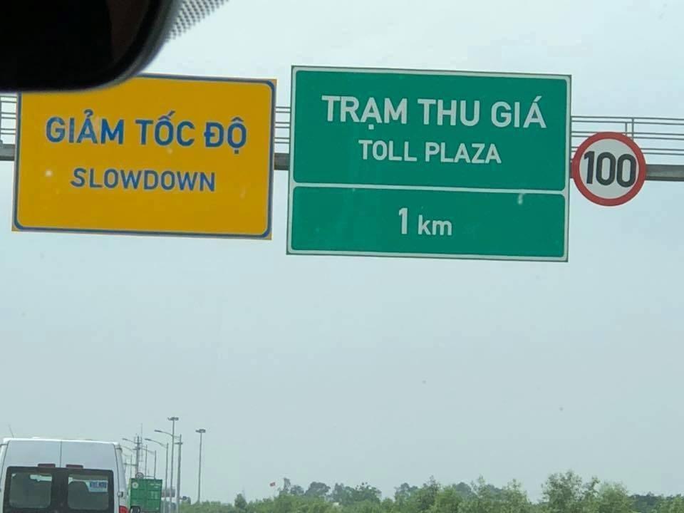 Theo nguyên Hiệu phó ĐH Ngoại ngữ , TOLL PLAZA dịch sang tiếng Việt là trạm thu phí, không phải thu giá. (Ảnh: Internet)
