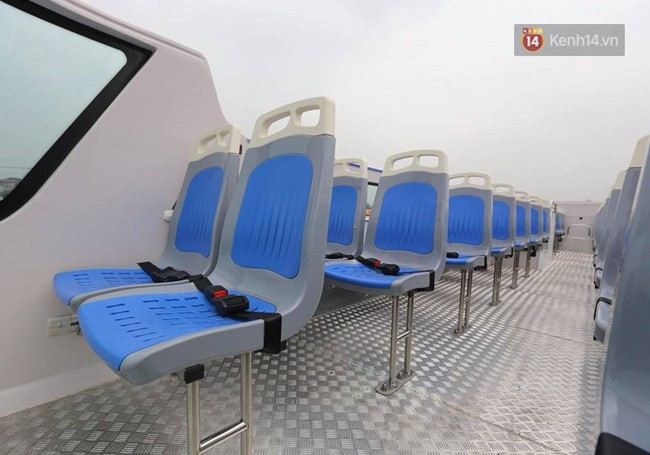 Hệ thống ghế tại tầng 2 thuận tiện cho việc tham quan các tuyến phố