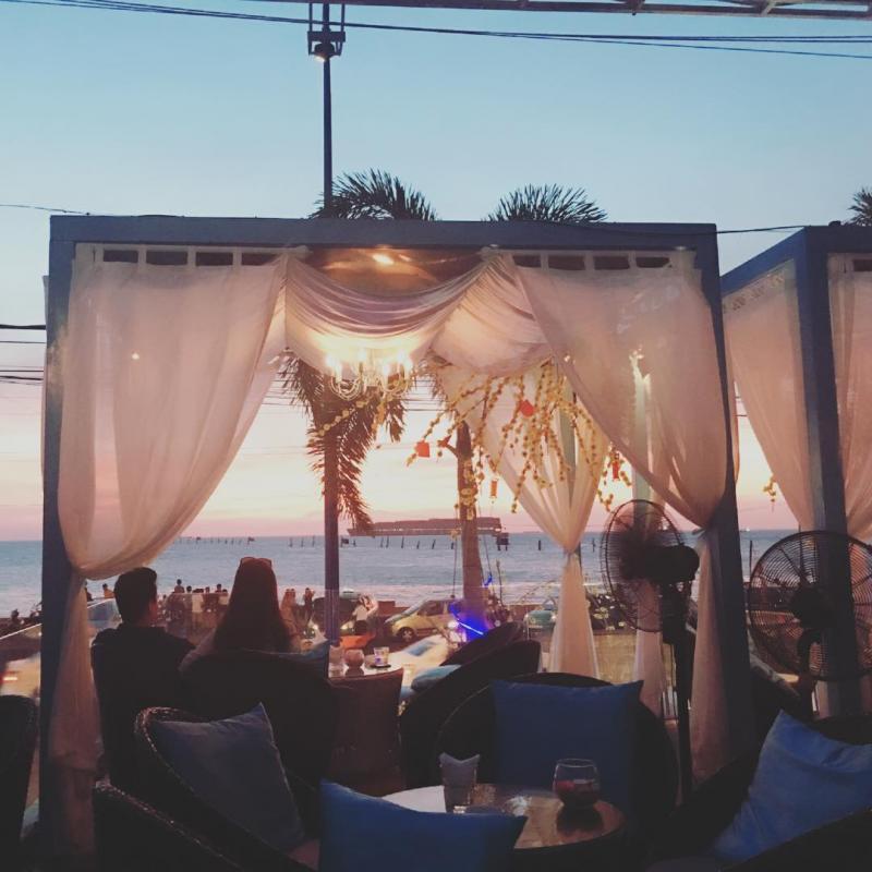 Về đêm Gazebo cafe trở nên sôi động và nhộn nhịp hơn hẳn. Instagram photo by TIẾN
