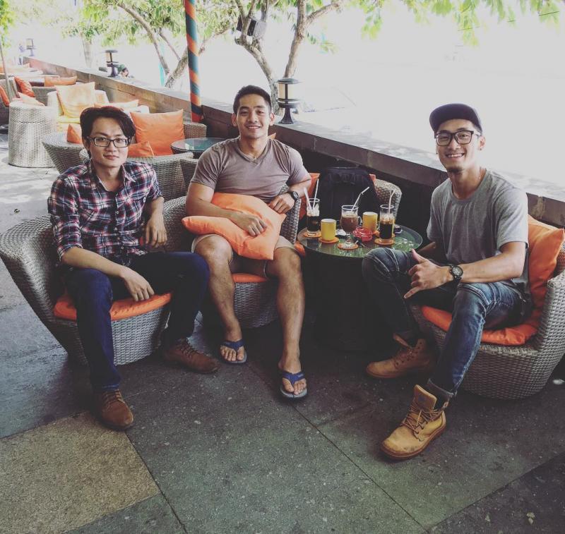 Nơi đây từ lâu đã trở thành địa điểm tụ họp của rất nhiều bạn trẻ, không chỉ dân địa phương mà khách du lịch cũng rất thích Seaside cafe. Ảnh: Trung nguyen on Instagram