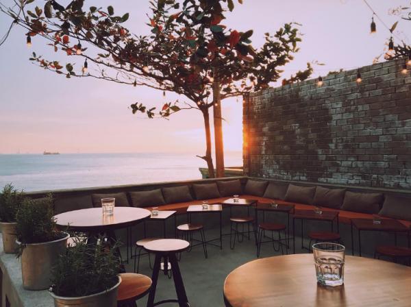 MILLA Nakedsoul tọa lạc tại địa chỉ 30 Hạ Long, phường 2, Vũng Tàu, nằm trên tầng thượng của một căn nhà cổ. Ảnh: hn.nhatha