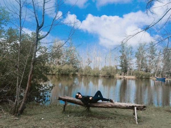 Nằm chợp mắt giữa rừng cây cũng là một gợi ý lý tưởng cho du khách. (Nguồn: vntrip.vn)