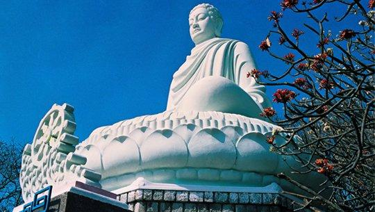 Tượng phật Thích Ca Phật Đài. (Nguồn: ivivu.com)