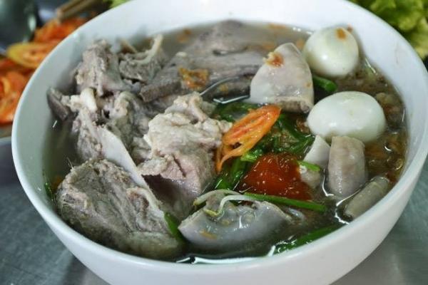 Hủ tiếu Trương Công Định. (Nguồn: diadiemanuong.com)