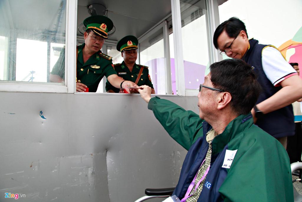 Trên thực tế, du lịch bằng du thuyền là lựa chọn khá phổ biến trên thế giới nhưng còn khá mới mẻ ở Việt Nam. Chi phí đến những điểm quen thuộc trong khu vực như Singapore, Thái Lan, Đài Loan dao động trong khoảng 20-30 triệu đồng, tuỳ gói dịch vụ.