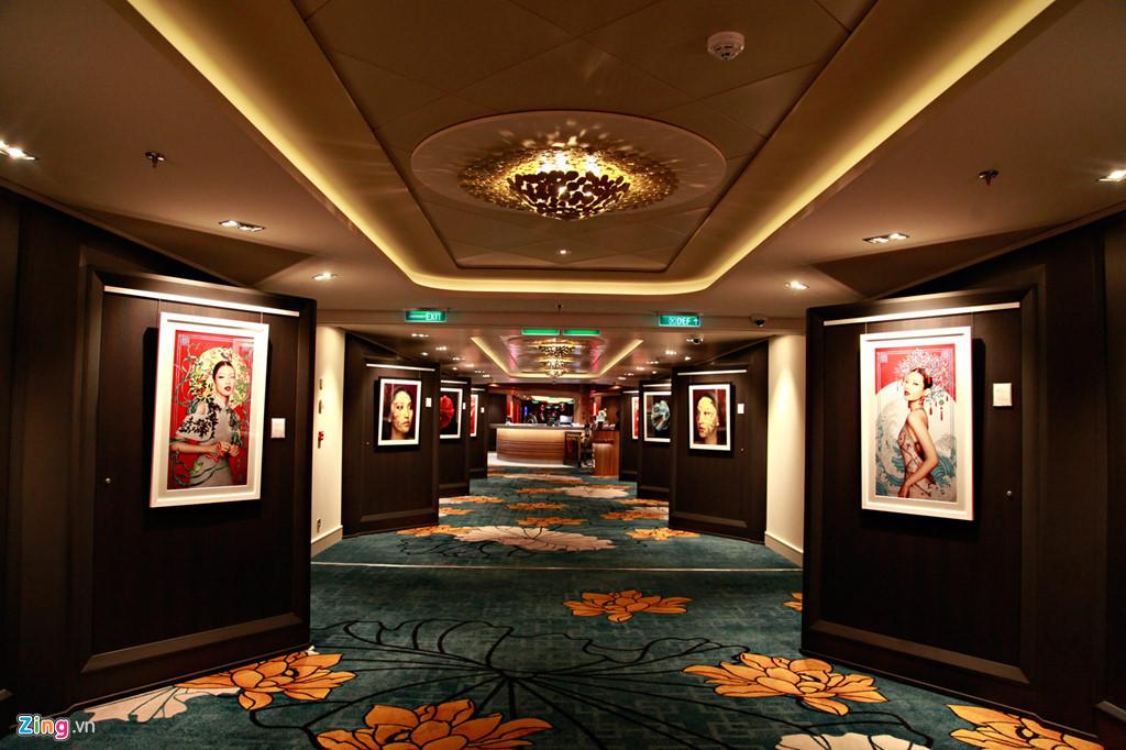 World Dream là du thuyền 5 sao với nhiều trang thiết bị hạng sang. Các phòng đều được thiết kế theo phong cách Á Đông.