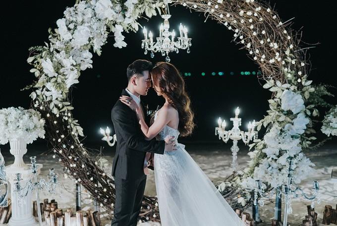 Cặp đôi đã trải qua nhiều sóng gió nhưng hiện tại có cuộc sống hôn nhân vô cùng hạnh phúc.