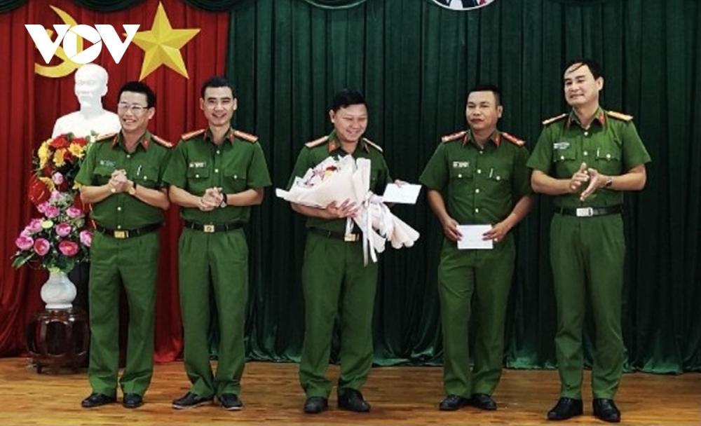 Công an Phú Mỹ thưởng nóng lực lượng phá án đại gia Thiện Soi.