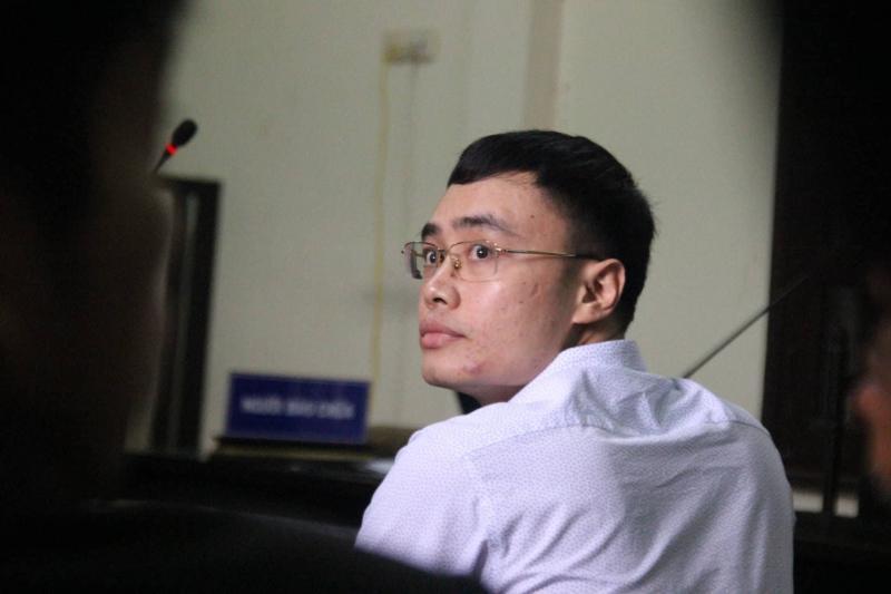 Cựu nhà báo Lê Duy Phong thừa nhận việc nhận tiền sau đó không viết bài là vi phạm đạo đức và pháp luật