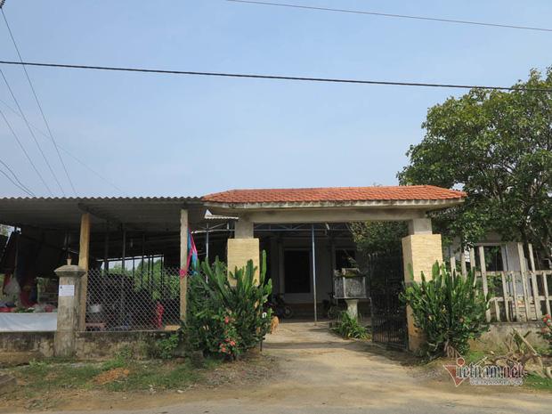 Căn nhà củ vợ chồng ông Phương trước đây là điểm thu mua phế liệu từ chiến tranh sầm uất của cả làng Tân Hiệp