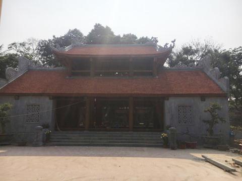 Cổng tam quan mới của chùa Bổ Đà rất hoành tráng, mới tinh. Ảnh: Dân Việt