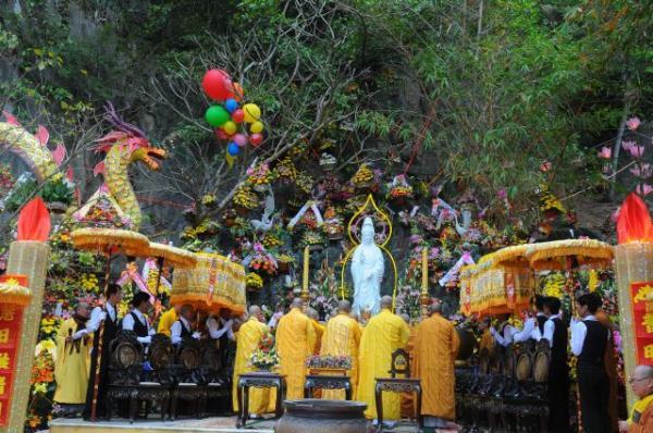 """9 ngôi chùa """"cầu được ước thấy"""" ở Đà Nẵng mà ai cũng ao ước được đến một lần quan 20the 20am"""