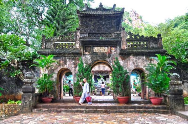 """9 ngôi chùa """"cầu được ước thấy"""" ở Đà Nẵng mà ai cũng ao ước được đến một lần tam 20thai"""