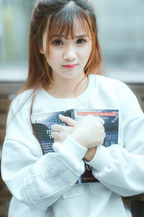 Đôi mắt to tròn, thơ ngây của Nguyễn Thị Ngọc Ánh thu hút người đối diện