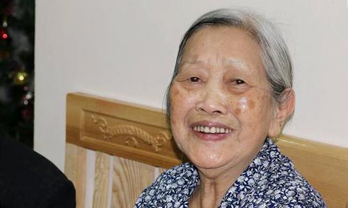 Bà Dung đã muốn ly hôn chồng từ năm 1985, nhưng gia đình động viên nên bà cố sống chung đến tận năm 2016, khi 86 tuổi thì quyết tâm ly hôn. Ảnh: Hoàng Ngân.